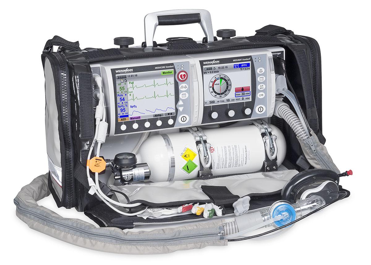 Respirator Medumat Standard 2 Basic plus defibrylator Meducore Standard PRO na obudowie Life Base 3 NG