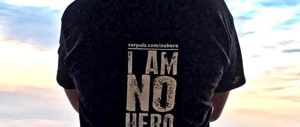 """""""I'm no hero – It's my job"""" czyli koszulka z przekazem dostępna w sprzedaży!"""
